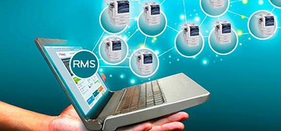 Portátil aberto simbolizando o serviço remoto para impressora laser
